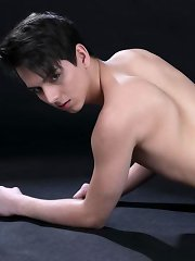 Sensuous Masseur Gives Rudy Valentino's Well-Used Dick A Hard Raw Ride